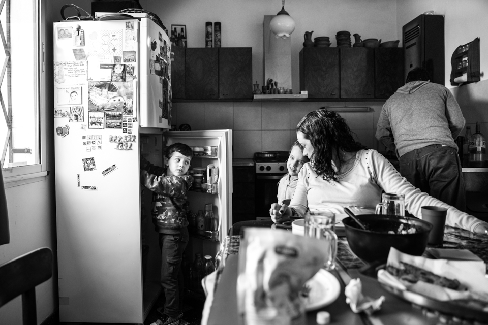 day-in-the-life-juan-manuel-gutierrez-fotografo-documental-familia-buenos-aires